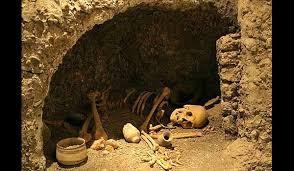 آیین ها و روش تدفین مردگان در دوران باستان